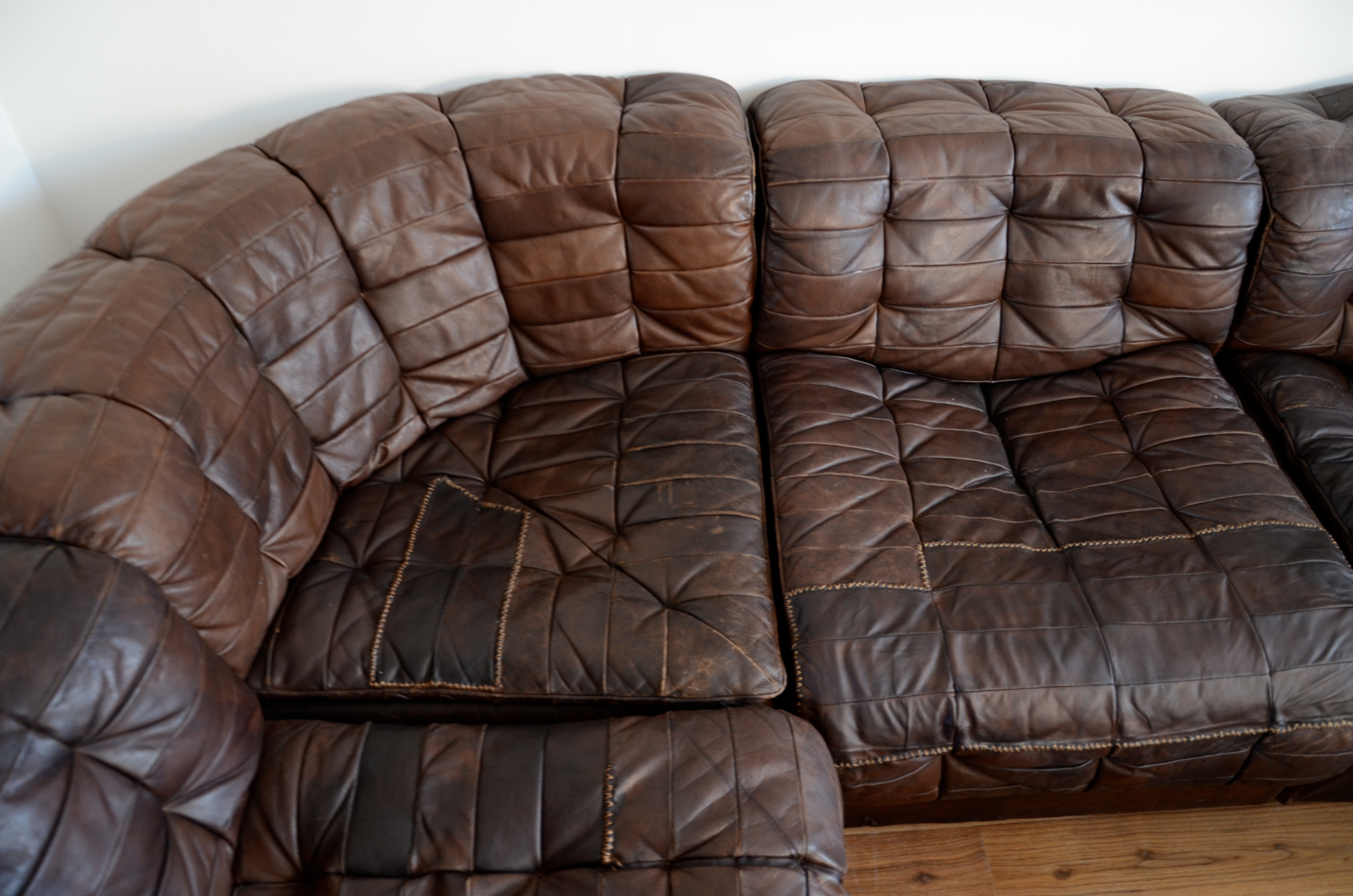 Bon Leather Sofa Close